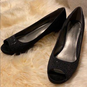 Bandolino peep-toe heels